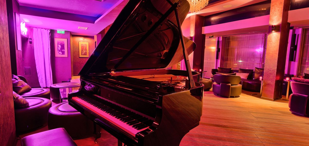 piano-lounge-in-mamaia