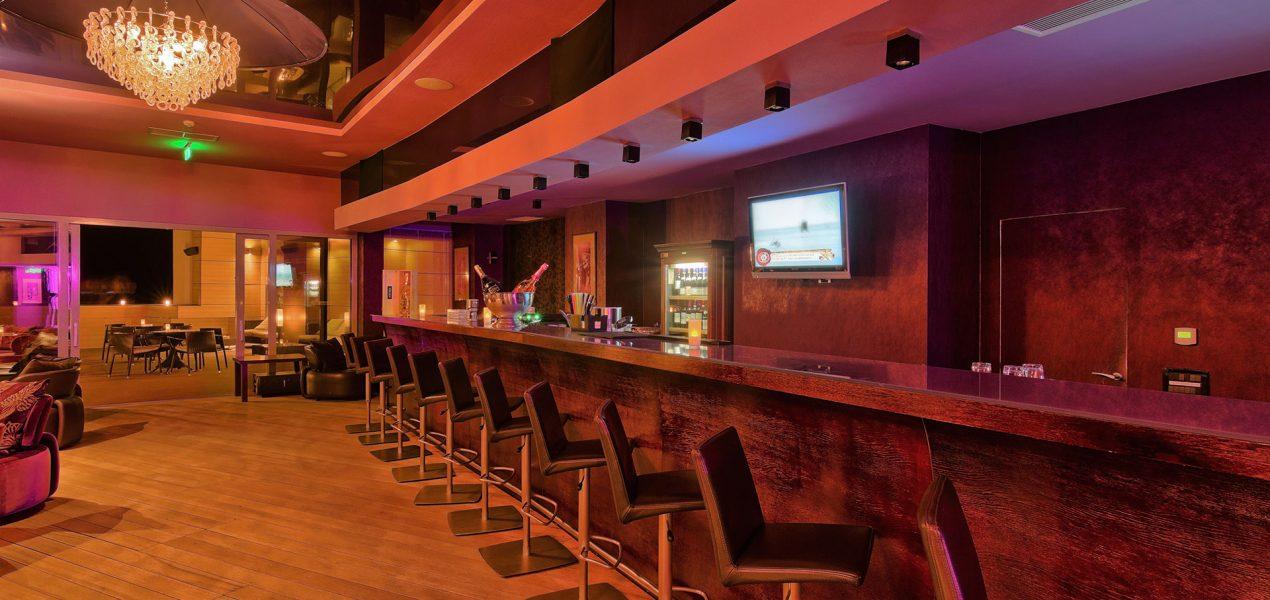 violet-lounge-hotel-vega